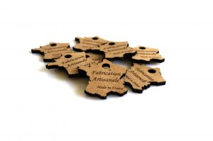 Etiquette en bois «Fabrication Artisanale – Made in France» (40 ou 80 pièces)