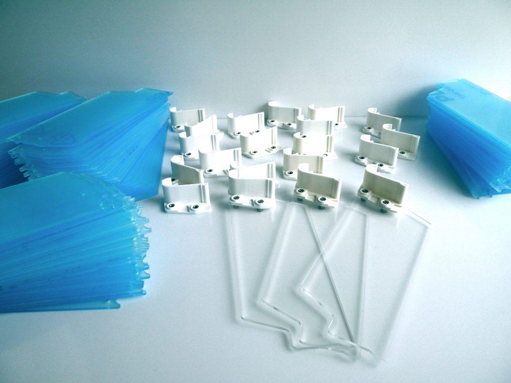 Conception et fabrication série d'intercalaires sur mesure - Impression 3D et découpe acrylique (Secteur pharmaceutique)