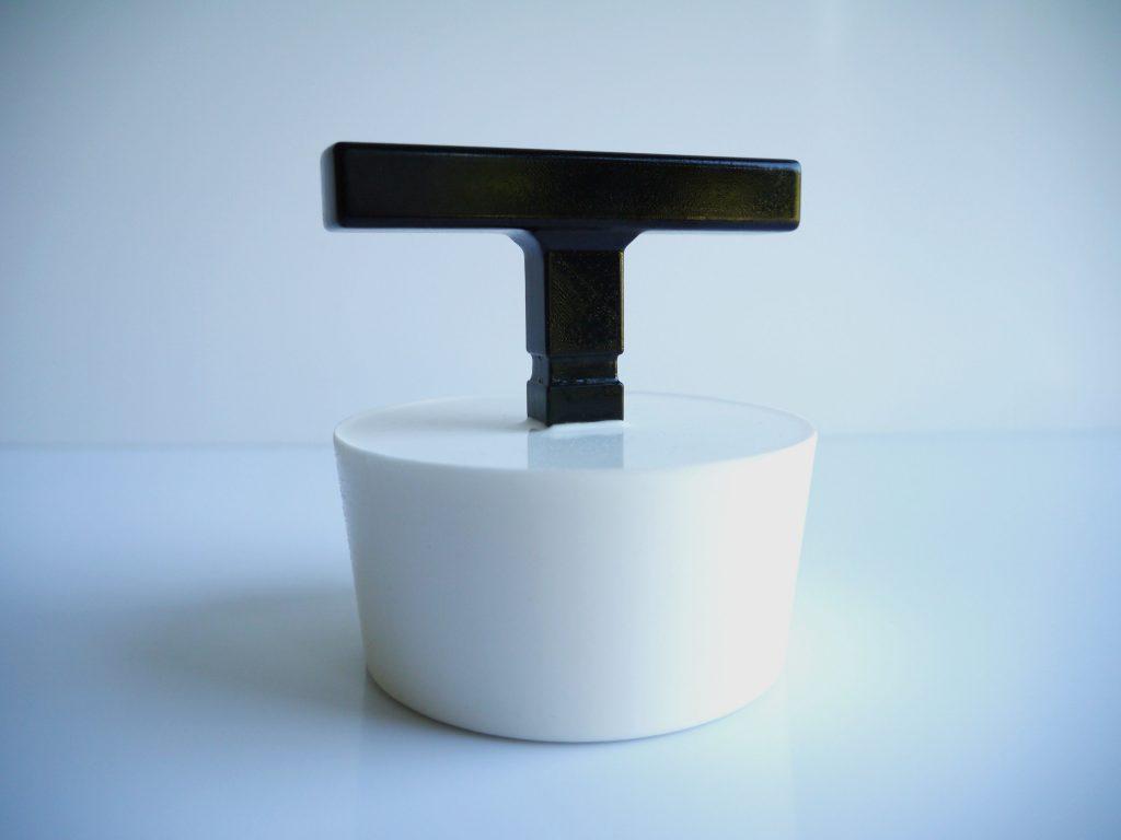 Conception et réalisation d'un bouchon sur-mesure / Impression 3D + Silicone / Secteur industrie